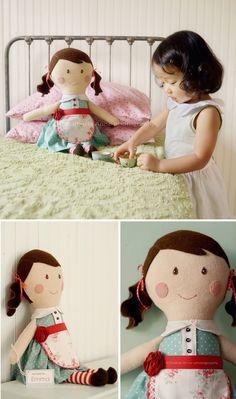Love Charla Anne, muñeca de trapo con delantal