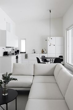 tiny homes interior Living Room Interior, Living Room Decor, Home And Living, Simple Living Room, Living Room Designs, Living Spaces, Black And White Furniture, House Inside, Apartment Design