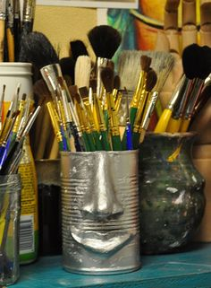 Face cans day project. Link has other great sculpture projects. Middle School Art, Art School, Ap Studio Art, Art Lesson Plans, Recycled Art, Art Classroom, Art Club, Summer Art, Art Plastique