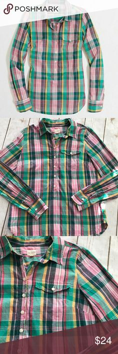 J.Crew -  Pink Green Plaid Tunic, Size Small J.Crew -  Pink Green Plaid Tunic, Size Small. In fantastic preowned condition! Would be gorgeous with skinny jeans or leggings! Top of shoulder to very bottom hem measurement is approximately 25 inches, armpit to armpit measurement is approximately 18 1/2 inches. Please be sure to check out all of my other boutique items, same day or next business day shipping is guaranteed! J. Crew Tops Tunics