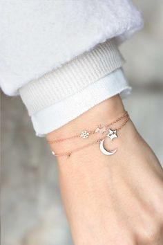 these bracelets make the perfect gift for a loved one or yourself and looks gorgeous with every winter outfit I NEWONE-SHOP.COM