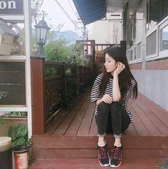 Naughty or nice Korean Photography, Selfies, Korean Girl Fashion, Ulzzang Korean Girl, Uzzlang Girl, Kawaii Clothes, Thing 1, Korean Beauty, Star Fashion