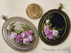 Wonderful Ribbon Embroidery Flowers by Hand Ideas. Enchanting Ribbon Embroidery Flowers by Hand Ideas. Silk Ribbon Embroidery, Embroidery Thread, Cross Stitch Embroidery, Embroidery Patterns, Beaded Flowers, Fabric Flowers, Cold Porcelain Flowers, Brazilian Embroidery, Ribbon Work