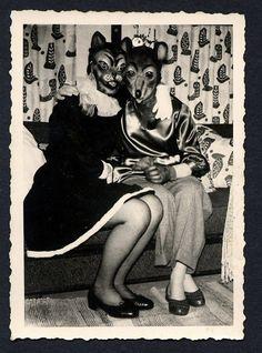 2headedsnake Photos D'halloween Vintage, Vintage Halloween Photos, Vintage Photographs, Old Photos, Vintage Portrait, Vintage Bizarre, Creepy Vintage, Animal Head Masks, Animal Heads