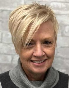 90 Classy and Simple Short Hairstyles for Women over 50 Spiky Layered Blonde Pixie Popular Short Haircuts, Short Hairstyles Fine, Asymmetrical Hairstyles, Shag Hairstyles, Short Hairstyles For Women, Hairstyles With Bangs, Pixie Haircuts, Classy Hairstyles, Wedding Hairstyles