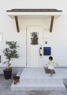 Entrance Doors, Garage Doors, Small Living, Living Room Decor, Cottage, Exterior, Outdoor Decor, House, Home Decor