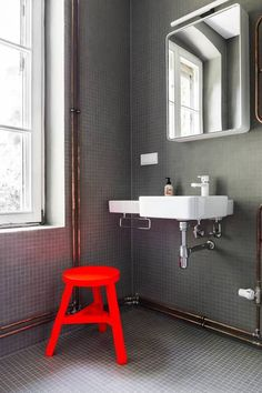 Best Reuse Ideas For Home Decor Neon red.Best Reuse Ideas For Home Decor Neon red Bad Inspiration, Bathroom Inspiration, Interior Architecture, Interior And Exterior, Tom Dixon, Interior Decorating, Interior Design, Beautiful Bathrooms, Beautiful Interiors