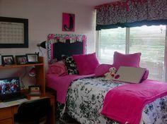 pink & black room