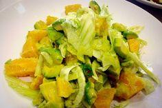 Τα κρητικά: σαλάτα με αβοκάντο, μαραθόριζα και πορτοκάλι | Κουζίνα | Bostanistas.gr : Ιστορίες για να τρεφόμαστε διαφορετικά Better Life, Lettuce, Cabbage, Vegan, Dishes, Vegetables, Recipes, Food, Christmas