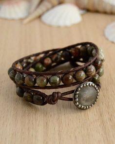 Natural earth tone beaded bracelet.: