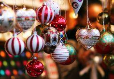 Les fêtes de fin d'années, c'est parti et on adore ! 🎄💫 Rendez-vous au marché de Noël de #Cholet pour faire le plein de cadeaux et de gourmandises. Pour en savoir plus 👉 http://bit.ly/2Bzdw50  #Hotel #Cholet #MercureCholet