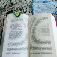 Buen domingo para todos! Estoy en la página 488, la linea 8 dice: ...los hubiera visto, pues no había bucles semejantes en el... #davidcopperfield #charlesdickens #libros #libro #amoleer #lovereading #loveread #bookstagram #bookish #books #book #bookshelf #book📖 #bookphotography #bookaholic #reading #relax