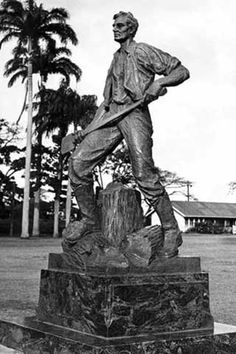 Ax-Wielding Abe Lincoln in Hawaii in Ewa Beach, Oahu, Hawaii..Would love to see a copy of this one in New Salem State Park