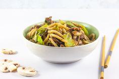 Yaki Udon, Japchae, Noodles, Ethnic Recipes, Food, Mushroom, Indian, Seeds, Macaroni