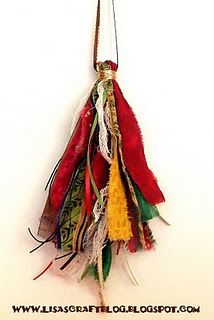 Easy Christmas tassel - cute ornament idea.