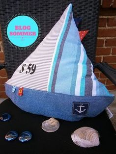Sewing Cushions DIY sailboat cushions, instructions for self-sewing Easy Sewing Projects, Sewing Hacks, Sewing Tutorials, Sewing Crafts, Crafty Projects, Sewing Patterns, Sewing Pillows, Diy Pillows, Sofa Cushions