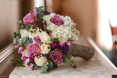 A beautiful arrangement! You really can't go wrong with this!   Hester Wedding - RosellePhotography