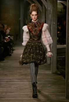 Ready-to-wear - Paris-Édimbourg 2013 Métiers D'Art - Look 52 - CHANEL