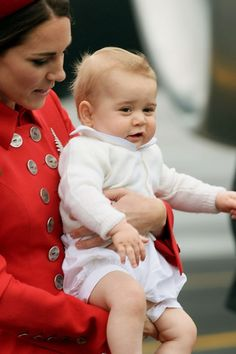 www.vogue.co.uk/spy/celebrity-photos/2013/7/23/royal-baby-celebrations/gallery/1158323