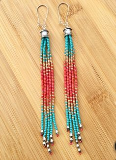 similares a Long Seed Bead Earrings, Boho Beaded Earrings, Long Fringe Earrings, Native American Inspired en Etsy Seed Bead Jewelry, Bead Jewellery, Seed Bead Earrings, Boho Earrings, Earrings Handmade, Handmade Jewelry, Seed Beads, Beaded Earrings Native, Fringe Earrings