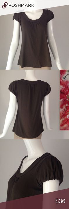 """Theory top Underarm 16"""" shoulder to hem 22.5"""" no flaw. Brown/ chocolate. Stretchy/ smooth / comfy. Tag as P. NO trade. Theory Tops Tees - Short Sleeve"""