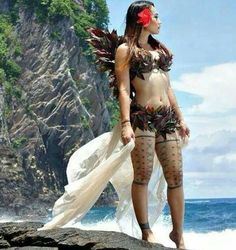 Traditional Samoan thigh tatau for women is called a Malu. That's cool Michelle thanks for the insight. Do you think they have that outfit in my size. Polynesian Dance, Polynesian Tattoos Women, Polynesian Culture, Samoan Dance, Tatau Tattoo, Marquesan Tattoos, Samoan Tattoo, Tattoo Ink, Sexy Tattoos