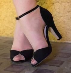 Best sellers! 1940s shoes at Royal Vintage