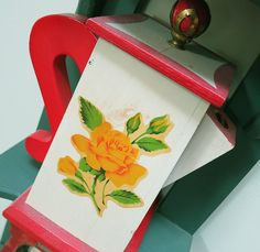 Vintage Soap Powder Holder with a Yellow Rose Decal