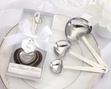 Measuring Spoon Favours In White Box with 3 spoons