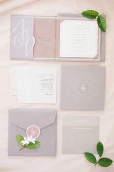 Blush and Grey Romantic Glamour Wedding | more : sodazzling.com | Sandra Aberg Photography - sandraaberg.com | #thailand_destination_wedding