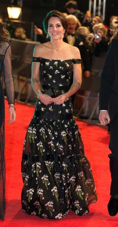 Kate Middleton Photos Photos - Catherine, Duchess of Cambridge attends the 70th EE British Academy Film Awards (BAFTA) at the Royal Albert Hall on February 12, 2017 in London, England. - EE British Academy Film Awards - Red Carpet Arrivals