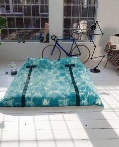 De temperatuur is nog heerlijk! Tijd om vanavond het zwembad in te duiken - koop dit gave SNURK dekbed in onze shop - link in bio #ilovemyinterior by ilovemyinterior