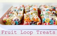Add Froot Loops to Your Grocery List This Week - H - Fruity Pebbles Rice Crispy Treats Cupcakes Rice Crispy Treats, Krispie Treats, Rice Krispies, Yummy Treats, Sweet Treats, Yummy Food, Yummy Snacks, Delicious Dishes, Healthy Food