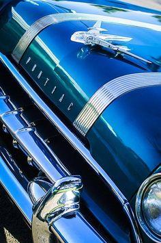 1955 Pontiac Star Chief Grille Emblem - Hood Ornament