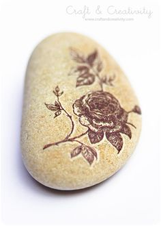 Flower on a rock: Decorated Pebbles by Craft & Creativity