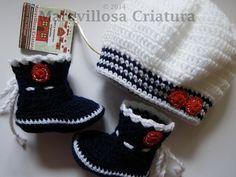 Botas y gorro de bebé, azul oscuro, blanco y rojo de Maravillosa Criatura por DaWanda.com