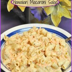Hawaiian Macaroni Salad / The Grateful Girl Cooks! Beef Recipes For Dinner, Cooking Recipes, Strawberry Bread Recipes, American Potato Salad, Hawaiian Macaroni Salad, Frosty Recipe, Hawaiian Dishes, Cheesy Cauliflower, Pasta Salad Italian