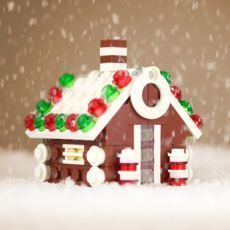 Lego ornaments and other fun things to build. Lego ornaments and other fun things to build. Lego Christmas Village, Retro Christmas, Christmas Activities, Christmas Crafts, Christmas Ornaments, Legos, Lego Gingerbread House, Lego Ornaments, Lego Winter
