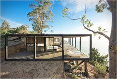 Belle maison en bois, face à la mer #bellesmaisons #faceàlamer #home #design