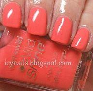 I like red nails!