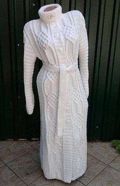 ... Crochet Coat, Knitted Coat, Crochet Lace, Pullover Mode, Dress Outfits, Fashion Outfits, Girls Sweaters, Sweater Coats, Knitting Designs