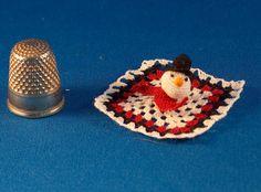 Huggy blankie miniature door MiniMadeCraft op Etsy