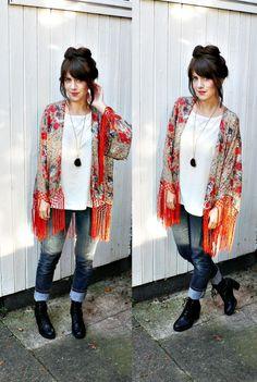 FRINGE KIMONO JACKET// boho kimono jacket//fringe kimono,floral kimono,handmade kimono,fringe kimono jacket,small/medium