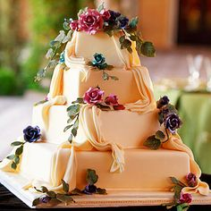 Thanksgiving wedding? These cakes would look great next to a turkey:) Look of the Day photo | Sedona Cake Couture