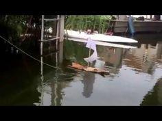 Selbstgebautes Rindenboot - YouTube