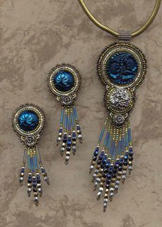 Love this beaded jewelry set. Looks like the style I used to make back in the days when I did bead, jewelry and craft shows. #CraftDiva
