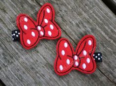 Minnie Mouse bows-good example of bow detail