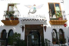 """#Malaga - #Ojen - La posada del Ángel 36°33'52.881""""- 4°51'21.284"""" .El hotel, de estilo andaluz, consta de 15 habitaciones, construidas alrededor de un patio, y de una piscina climatizada que está abierta durante todo el año. El hotel se construyó hace unos diez años a partir de cinco casas antiguas, que estaban situadas alrededor de este hermoso patio que aún supone el corazón del hotel."""