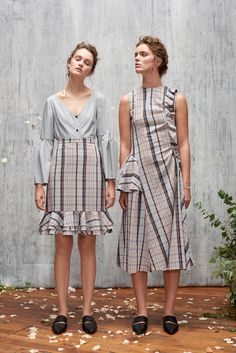 Audra Spring 2018 Ready-to-Wear Collection Photos - Vogue women fashion 2018 trends Summer Fashion Trends, Fashion 2018, Trendy Fashion, Runway Fashion, Spring Fashion, Fashion Show, Fashion Design, Womens Fashion, Vogue Fashion