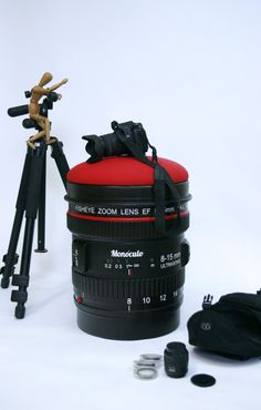 Wood stool camera lens shape / Paparazzi stool / by MonoculoShop